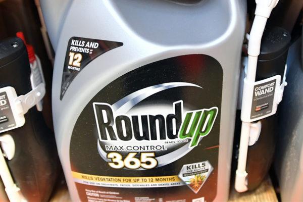 Monsanto condenado a pagar $80 millones en juicio por herbicida Roundup