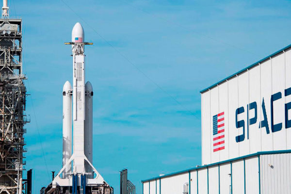 SpaceX ante su gran desafío de llevar astronautas al espacio