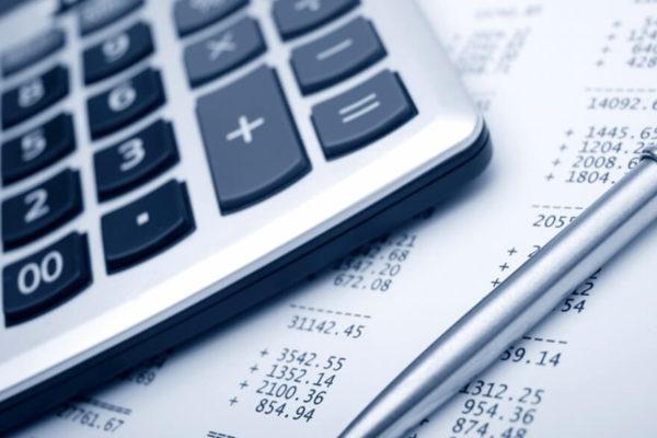 Inversores temen que el plan de estímulo de Biden implique más impuestos