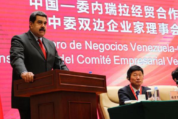 Maduro pedirá a China otro período de gracia para refinanciar deuda con petróleo