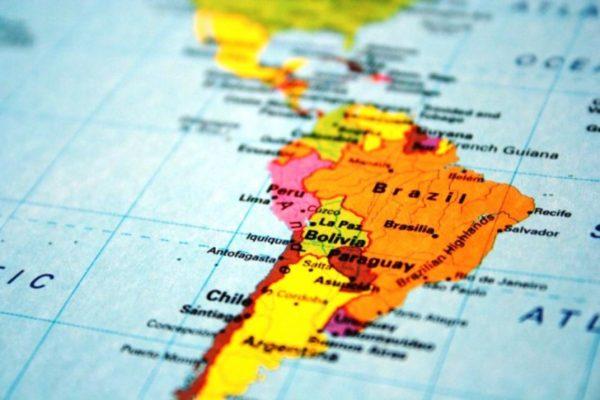 América Latina cerca de la parálisis por pandemia de covid-19