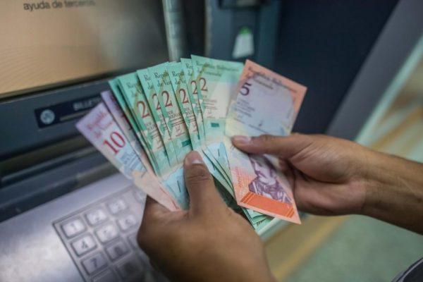 Dinero en circulación se dispara 11.398% en 9 meses