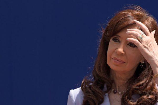 Expresidenta argentina Kirchner será juzgada por lavado de dinero