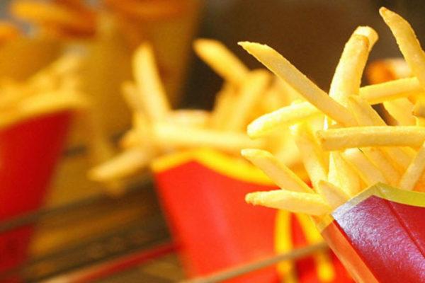 Cierre de locales de McDonald's: El reto de sobrevivir a las medidas de Maduro