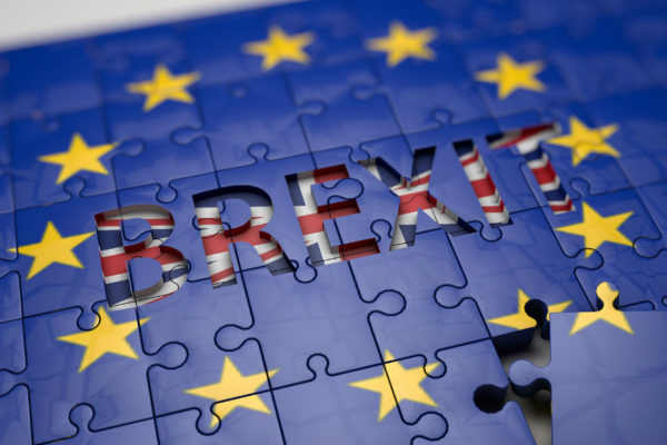 Más de 70 empresarios piden referéndum sobre acuerdo del brexit