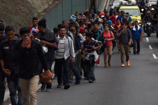 Caravana hondureña habría sido financiada por Venezuela
