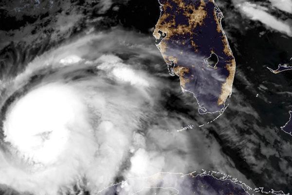 Florida se prepara para el huracán Michael de categoría 3