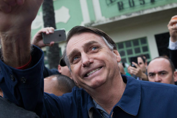 Aprobación de Bolsonaro sube por apoyo a gestión económica