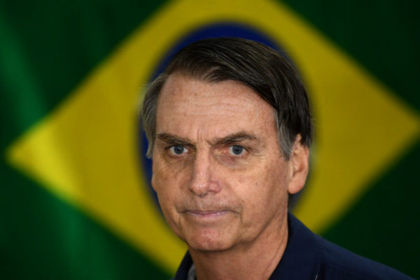 Bolsonaro descarta apoyo a intervención militar en Venezuela