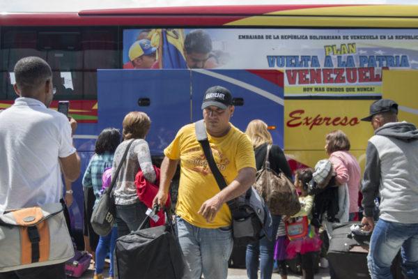 Retorna a Venezuela grupo de migrantes desde República Dominicana