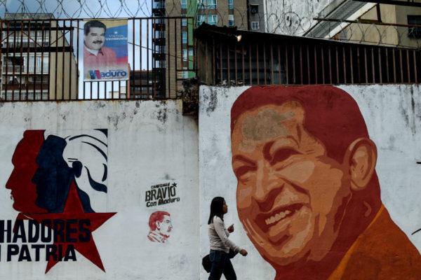 Documental sobre Hugo Chávez alerta contra el populismo