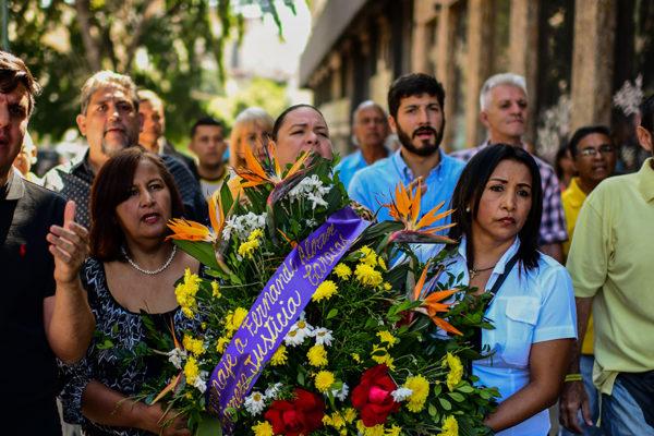 Protestan por muerte del concejal Albán en el Sebin