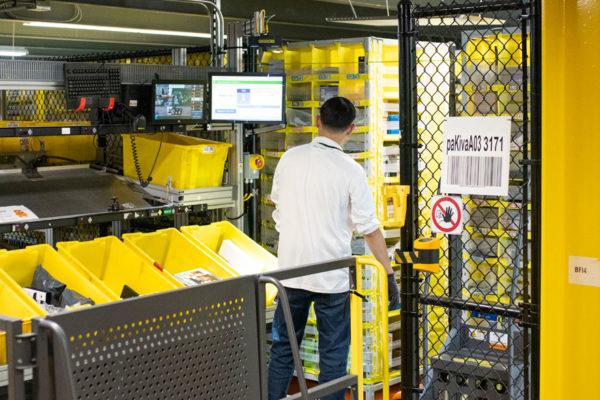 Amazon crea una tecnología para el distanciamiento en el trabajo