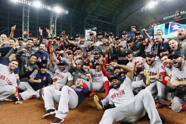 Boston gana 9×6 y acaricia su noveno título