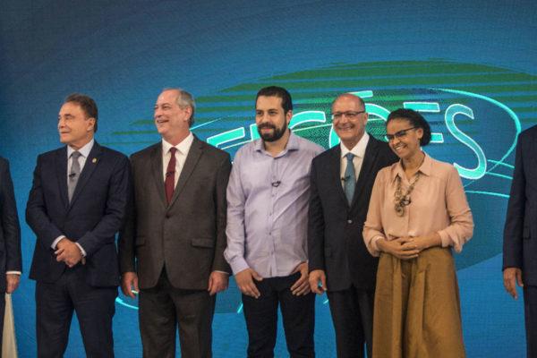 Los brasileños a las urnas para definir el futuro de su democracia