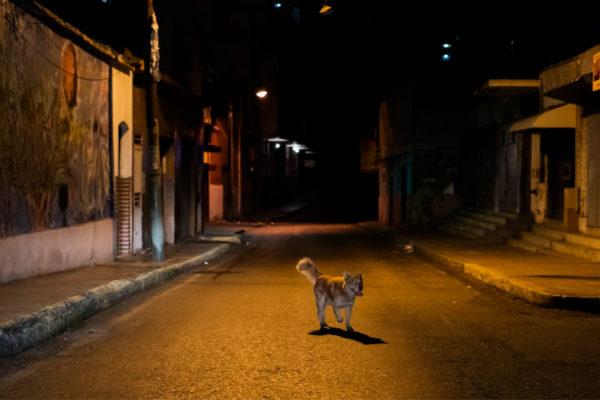 Miedo a la delincuencia deja desiertas las noches de Caracas