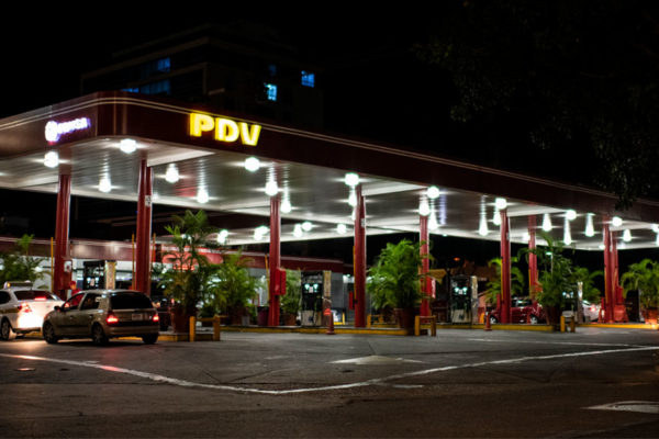 Así funciona el plan «pico y placa» para abastecer gasolina en Caracas