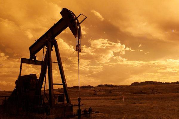 Crudo WTI abre con descenso del 1,37%, hasta US$37,53 el barril