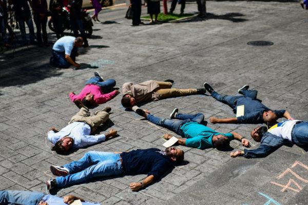 Familiares de opositores presos piden visita de Bachelet a Venezuela
