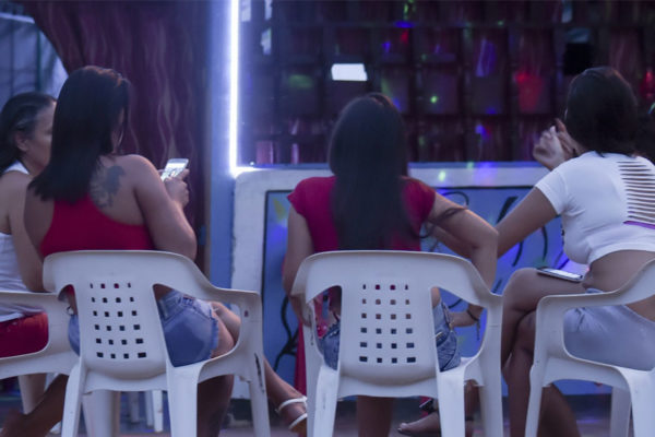 Prostituirse en el exilio para alimentar a la familia en Venezuela