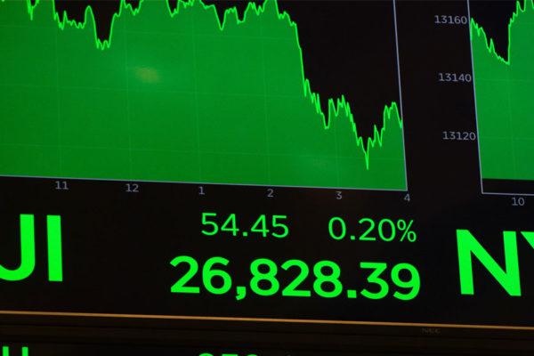 Wall Street abrió en verde y el Dow Jones avanzó 1,7% aupado por el petróleo