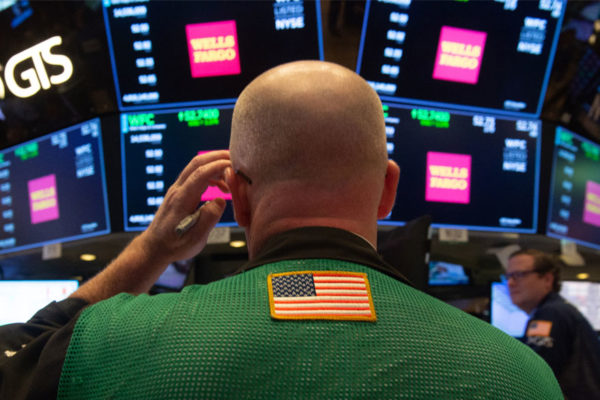 Wall Street abre mixto y el Dow Jones sube 1,33% y supera 25.000 puntos