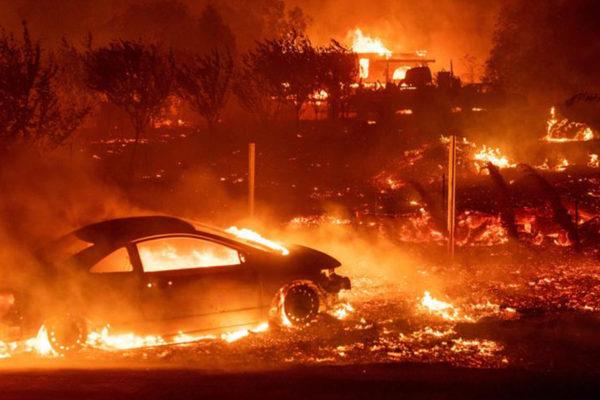 Número de desaparecidos por incendio en California sube a 631