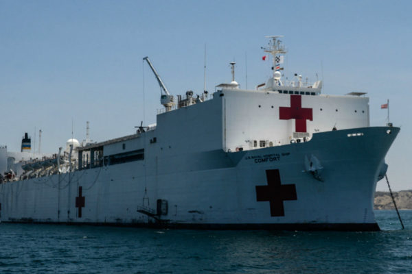 EEUU despliega buque hospital para atender crisis de Venezuela