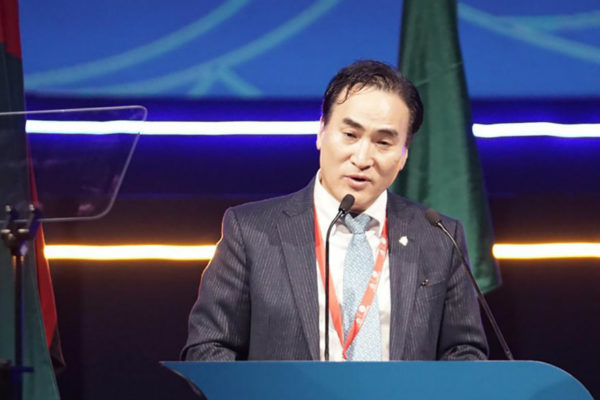 Eligen al surcoreano Kim Jong-yang como presidente de Interpol