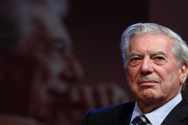 Mario Vargas Llosa espera que «delfín» de Evo Morales pierda en Bolivia