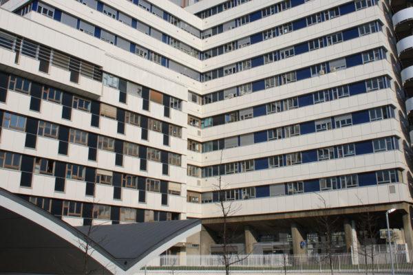 Víctima del éxito, hospital anula pago de €50 por donar heces