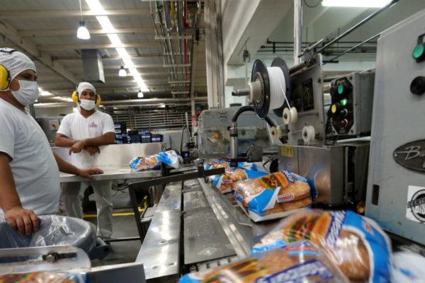 Trabajadores de Bimbo exigen mejores condiciones laborales