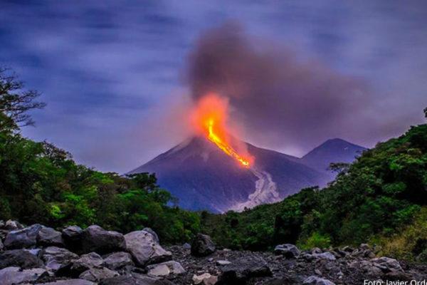 Volcán de Fuego de Guatemala registra entre 7 y 10 explosiones por hora