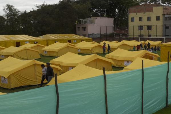 Bogotá reubica a migrantes venezolanos en un campamento