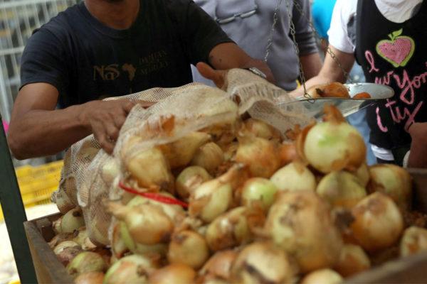 Contrabando de hortalizas es otro obstáculo para productores del campo sin combustible