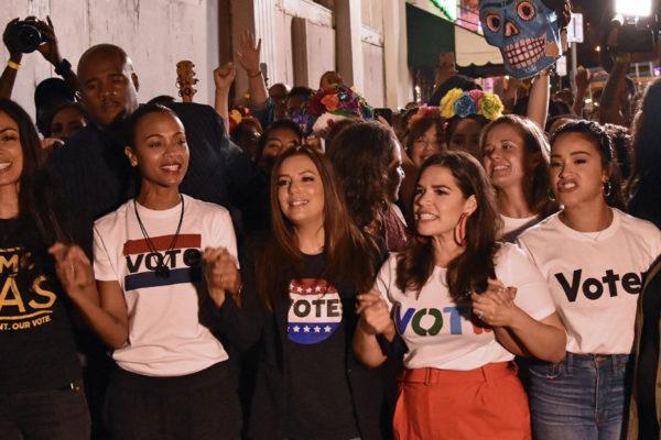 Actrices latinas animan el voto demócrata en Miami