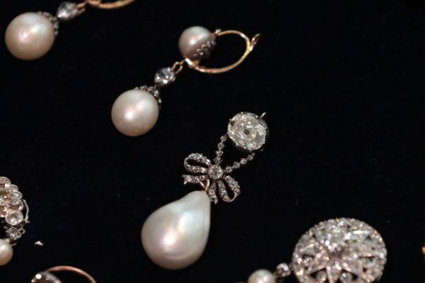 Grupo francés LVMH estudia compra de la icónica joyería Tiffany