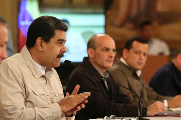 Maduro: Dementes sanciones de EEUU acorralan a empresarios