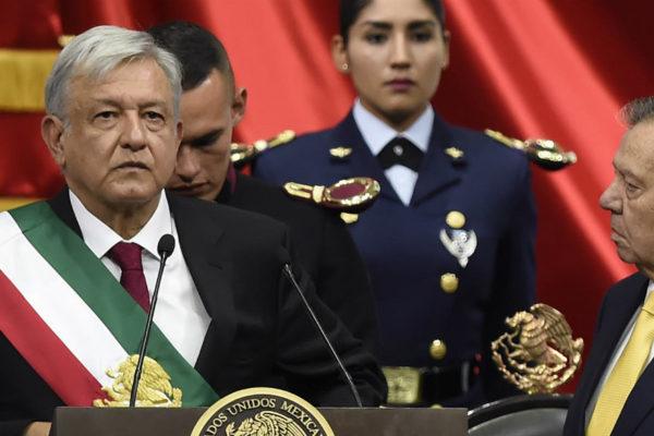 López Obrador se juramenta como presidente de México