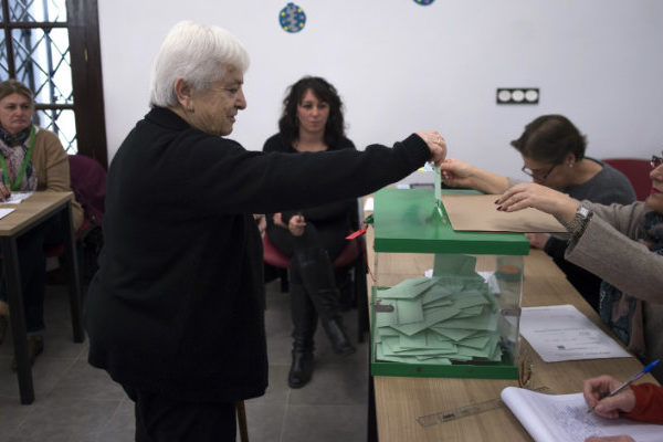 La ultraderecha entra fuerte en Andalucía y quiebra hegemonía socialista