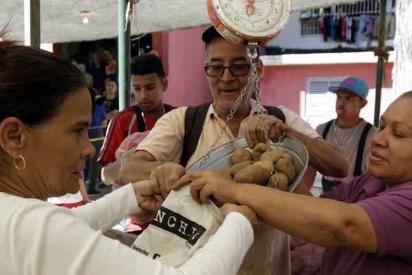 Cesta ByN | Compra de 17 productos básicos sube 34,82% y costó 8,78 salarios mínimos en noviembre