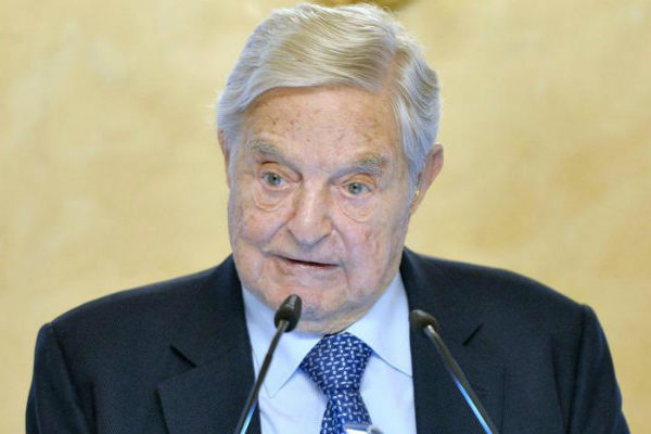 Universidad fundada por George Soros deja Budapest y se va a Viena