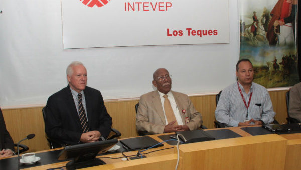 Intevep firma con Hartung Hermanos reactivación de pozos inactivos