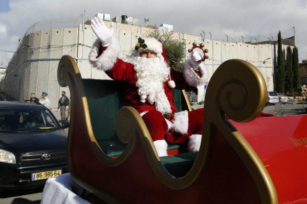 Peregrinos de todo el mundo se congregan en Belén para la Navidad