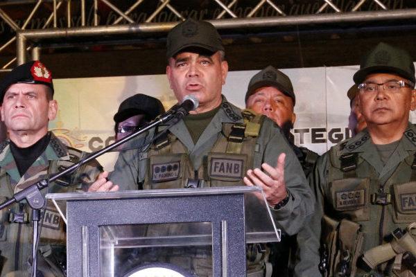 Padrino López acusa a la oposición de buscar derramamiento de sangre