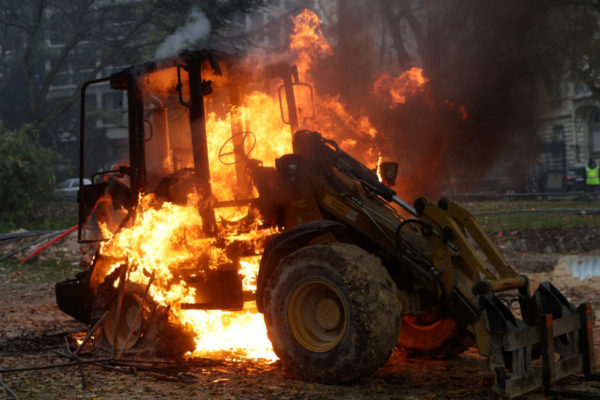 Renuncia presidente de Irak presionado por protestas