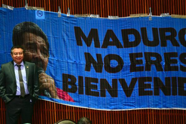Reciben a Maduro en México con expresiones de hostilidad