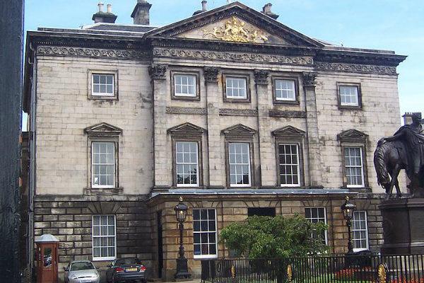 Royal Bank of Scotland pide licencia alemana para retener clientes tras el brexit