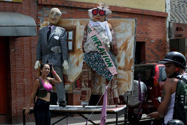 Tradicional quema del Año Viejo prenderá fuego a Miss Inflación