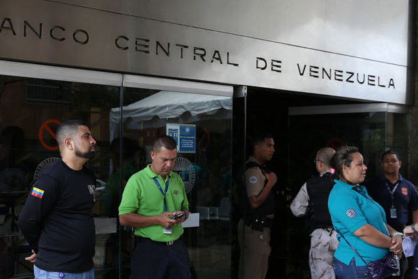 Banco Central de Venezuela afronta un creciente descontento interno